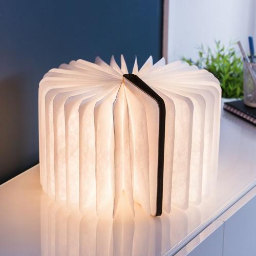 lampe livre ouvert